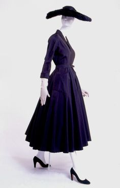 """""""New Look"""" dress, 1947  From the Museum at FIT...it was a dramatic change after the WWII."""
