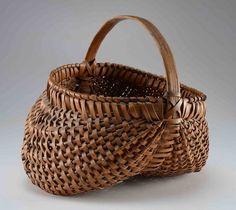 Lovely handmade antique split oak basket 145.JPG