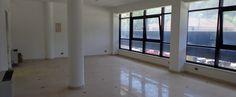 Ufficio con ingresso indipendente di circa 160 mq, composto da quattro vani e bagno.