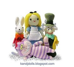 Alice in Wonderland crochet pattern deal by amigurumi photos, via Flickr