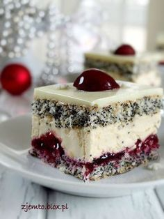 Wisniowa-panienka ciasto----this is written in a different lang. But its such a pretty cake maybe I can find in english some day Polish Desserts, Polish Recipes, Sweet Recipes, Cake Recipes, Dessert Recipes, Delicious Desserts, Yummy Food, Kolaci I Torte, Amazing Cakes