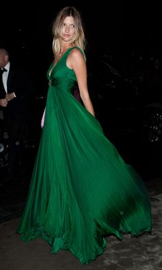 looooove this dress!