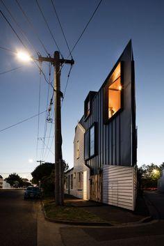 Das Büro Oof Architecture verwandelte ein marodes, viktorianisches Cottage in ein Wohnhaus mit ausgeklügeltem Raumkonzept. (Foto: Nic Granleese)