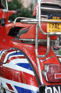 Awesome Scooter with the Union Flag - because its only properly called the Union Jack when it's flown at sea - Anglophile problems - note the New York (USA) licence plate / license plate
