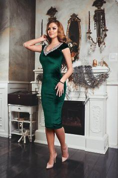 StarShinerS StarShinerS Famous Look Green Dress Andreea Ungur Indian Gowns Dresses, Ball Gown Dresses, African Fashion Dresses, Evening Dresses, Grey Prom Dress, Green Dress, French Maid Costume, Hijab Style Dress, Winter Formal Dresses