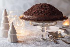 Čokoládový dort, který zažene všechny chmury. Jeho příprava je skutečně jednoduchá. Těšit se můžete na čokoládový korpus naplněný čokoládovou lanýžovou hmotou s pomerančovou chutí. Cheesecake, Tiramisu, Ethnic Recipes, Food, Fitness, Cheese Cakes, Eten, Tiramisu Cake, Keep Fit