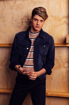 Jace Norman as his character Henry from Henry Danger. Jason Norman, Henry Danger Jace Norman, Norman Love, Beautiful Boys, Pretty Boys, Jace Norman Snapchat, Henry Danger Nickelodeon, Cameron Boyce, Cute Actors