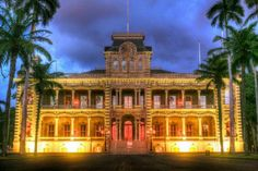 Things to do on #Oahu: Tour of Iolani Palace #Honolulu #Hawaii