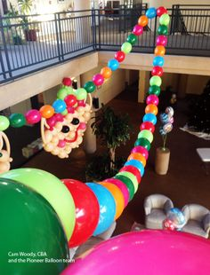 Quick Link balloons are perfect to build a large-scale colorful Chrismtas decor! Christmas Balloons, Christmas Snowman, Xmas, Christmas Ornaments, Bubble Balloons, Latex Balloons, Balloon Decorations, Christmas Decorations, Holiday Decor