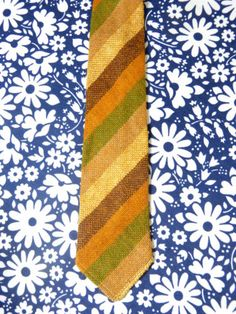 Cravate-tweed-laine-Ecosse-CRAIGMILL-rayures-marron-vert-vintage-annees-70 / Scottish Shetland striped wool tweed CRAIGMILL necktie - men's boho fall/winter accessory - French 70s vintage