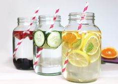 Drinking Infused Water Helps Burn FAT, Digestion, Heartburn, Blood Sugar, And Appetite Control Infused Water Recipes, Fruit Infused Water, Fruit Water, Infused Waters, Flavored Waters, Healthy Fruits, Healthy Drinks, Healthy Detox, Detox Drinks
