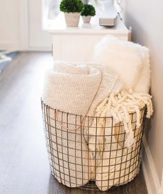 home decor accessories Atlanta Apartment Tour Affordable Home Decor 2019 Affordable home decor! The post Atlanta Apartment Tour Affordable Home Decor 2019 appeared first on Blanket Diy. Affordable Home Decor, Easy Home Decor, Cheap Home Decor, Target Home Decor, Home Ideas Decoration, Winter Home Decor, Cute Home Decor, Home Spa Decor, Home Spa Room