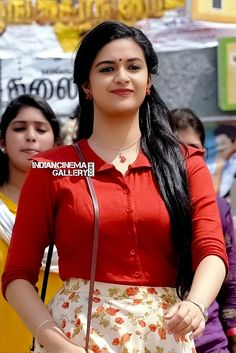Keerthi Suresh Indian Actress Hot Pics, South Indian Actress Hot, Beautiful Girl Indian, Most Beautiful Indian Actress, Beautiful Bollywood Actress, Beautiful Actresses, Hot Actresses, Indian Actresses, Sonam Kapoor