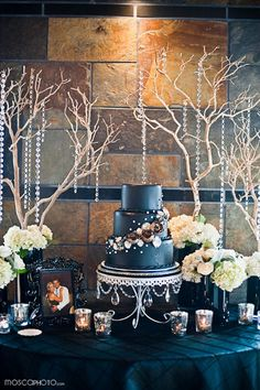 #navy blue wedding cake ... Wedding ideas for brides & grooms, bridesmaids & groomsmen, parents & planners ... itunes.apple.com/... The Gold Wedding Planner iPhone App ♥