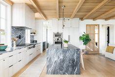 Big Kitchen, Home Decor Kitchen, Latest Kitchen Designs, Cocinas Kitchen, Contemporary Kitchen Design, Kitchen Trends, Kitchen Ideas, Kitchen Inspiration, Modern Farmhouse Kitchens