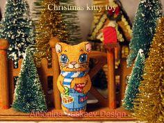 Christmas kitty double sided toy - Cross stitch pattern https://www.etsy.com/shop/AntoninaDesign