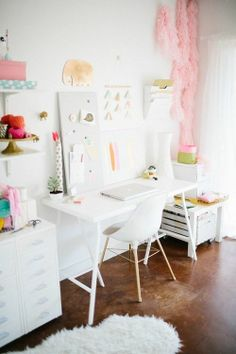pretty office inspiration | work spaces
