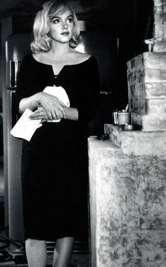 Marilyn Monroe in her LBD, on the set of 'The Misfits', 1961.