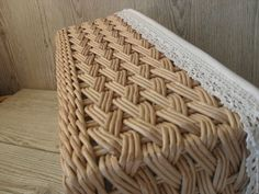 Baskets On Wall, Wicker Baskets, Upcycled Crafts, Diy And Crafts, Pine Needle Crafts, Paper Weaving, Basket Decoration, Wicker Furniture, Flower Wallpaper