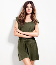 Yay! My favourite H+M dress is avail in green this year!
