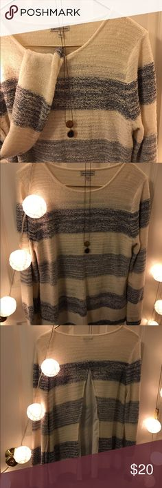 Ralph Lauren Sweater Super soft sweater with panel in back. No holes or stains or pilling! Ralph Lauren Sweaters Crew & Scoop Necks
