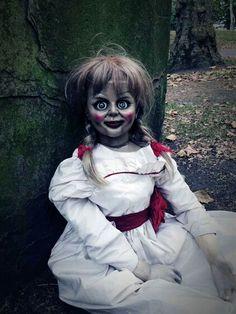 """Annabelle"" the movie. Horror Icons, Horror Films, Horror Art, Annabelle Costume, Annabelle Doll Movie, Annabelle Makeup, The Conjuring Annabelle, Scary Dolls, Arte Obscura"