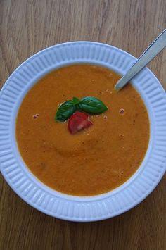 Vilken god soppa! Helt otroligt va beroendeframkallande en soppa kan vara. Om det ens var möjligt att få paltkoma av denna soppan skulle ja...