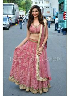 Loved the lehen ga Ethnic Outfits, Indian Outfits, India Fashion, Ethnic Fashion, Women's Fashion, Traditional Fashion, Traditional Outfits, Indian Attire, Indian Wear