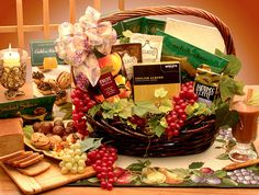 Help someone break the fast with Gourmet Buffet Kosher Gift Baskets!