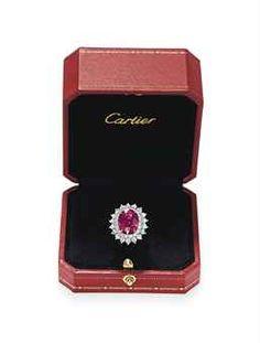 b273cdcaad8e2 A RUBY AND DIAMOND RING
