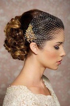 Tocado para novia velo francés detalle flor y perlas color dorado