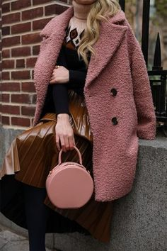 Blair Eadie wearing a pink and brown fall color combination // A teddy bear coat, fair isle sweater, and favorite pleated skirt // Click through for more fall layering looks on Atlantic-Pacific Winter Outfits Women, Fall Outfits, Fashion Outfits, Look Formal, Atlantic Pacific, Winter Mode, Street Style, Mode Hijab, Colourful Outfits
