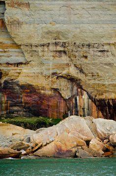 Pictured Rocks National Lakeshore (Lake Superior) | Flickr - Sylvia Mioduszewska