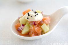 Dit recept voor zalmtartaar met appel en mierikswortelcrème is makkelijk te maken en smaakt ook nog eens heerlijk. Ideaal als feestelijk hapje!