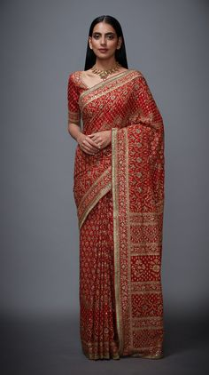 Top 61 High End Designer Sarees (Latest & Trending) Indian Bridal Sarees, Bridal Silk Saree, Indian Bridal Outfits, Pakistani Bridal Wear, Indian Designer Outfits, Chiffon Saree, Saree Wedding, Pakistani Dresses, Indian Dresses