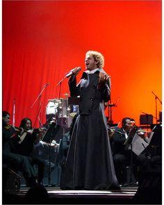 """Gira """"11 Episodios Sinfónicos"""". #Cerati  Teatro Teresa Carreño, Caracas. Venezuela, 13 de junio de 2002.  Fotografía: Carlos Sánchez. Vía: FlacoStereo"""