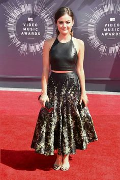 VMAs 2014. Lucy Hale.  #AGDLM #fashion #moda #VMAs