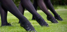 Explore the differences between Irish step dance technique and ballet or other concert dance forms to decide if adding Irish dance to your dance training is a good idea. Ballet Class, Dance Class, Ballet Dancers, Irish Step Dancing, Irish Dance, Dance Technique, Dance Training, Dance Teacher, Professional Dancers