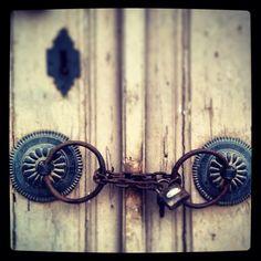 Konak kapısı