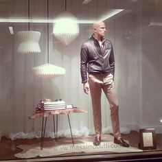 are you looking at me or the lamps ? pinned by Ton van der Veer