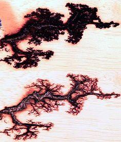 Fractal Lichtenberg Figure Wood Burning with Electricity