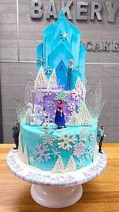 Frozen Themed Birthday Cake, Frozen Themed Birthday Party, Birthday Cake Girls, Themed Cakes, 3rd Birthday, Bolo Do Shrek, Frozen Cake Designs, Cake Decorating For Kids, Anna Cake