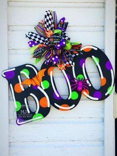 Halloween Door Hanger Boo Door Hanger Glow in the Dark Door Halloween Door Hangers, Halloween Signs, Holidays Halloween, Halloween Crafts, Halloween Decorations, Fall Wooden Door Hangers, Halloween Wreaths, Halloween 2018, Spooky Halloween