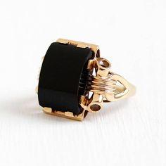 Vintage 10k Rosy Yellow Gold Bow Motif Black Onyx Gem Ring