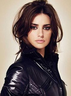 Penelope cruz in black dress in an advertise like mango
