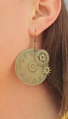 Bronze Steampunk Clock Earrings Watch Jewelry Earrings Steampunk Clock Charms Ball Earrings Time gift by Lovelyblackpanther Gifts For Teens, Gifts For Wife, Steampunk Wedding, Steampunk Theme, Best Friend Gifts, Gifts For Friends, Steampunk Clock, Gift Of Time, Boyfriend Gifts