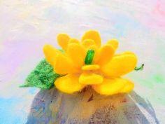 Lemon flora, easter brooch or hair clip. Hand made felted. Brooches, Hair Clips, Flora, Lemon, Felt, Easter, Gifts, Handmade, Etsy