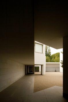 Fundação Serralves | Serralves Foundation 1999 | © Fernando Guerra, FG+SG Architectural Photography