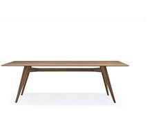 #Novecento di Pacini E Cappellini Srl è un tavolo da pranzo con gambe in massello di frassino. Piano in legno placcato frassino o in vetro naturale temperato. Lo trovate da LD Lab.