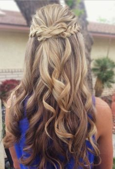 We've gathered our favorite ideas for 8 Fantastic New Dance Hairstyles Long Hair Styles For, Explore our list of popular images of 8 Fantastic New Dance Hairstyles Long Hair Styles For in curly homecoming hairstyles for long hair. Half Updo Hairstyles, Prom Hairstyles For Long Hair, Dance Hairstyles, Homecoming Hairstyles, Formal Hairstyles, Wedding Hairstyles, Hairstyle Ideas, Hair Ideas, Pretty Hairstyles